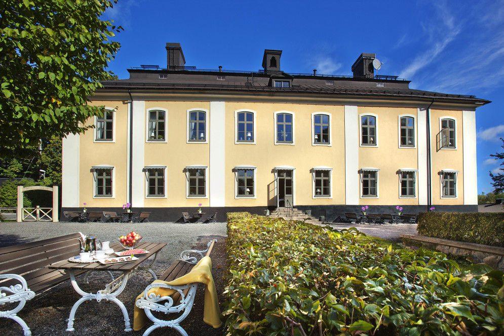 schweden-hotel-garten_(copyright)_akeshofs-slott