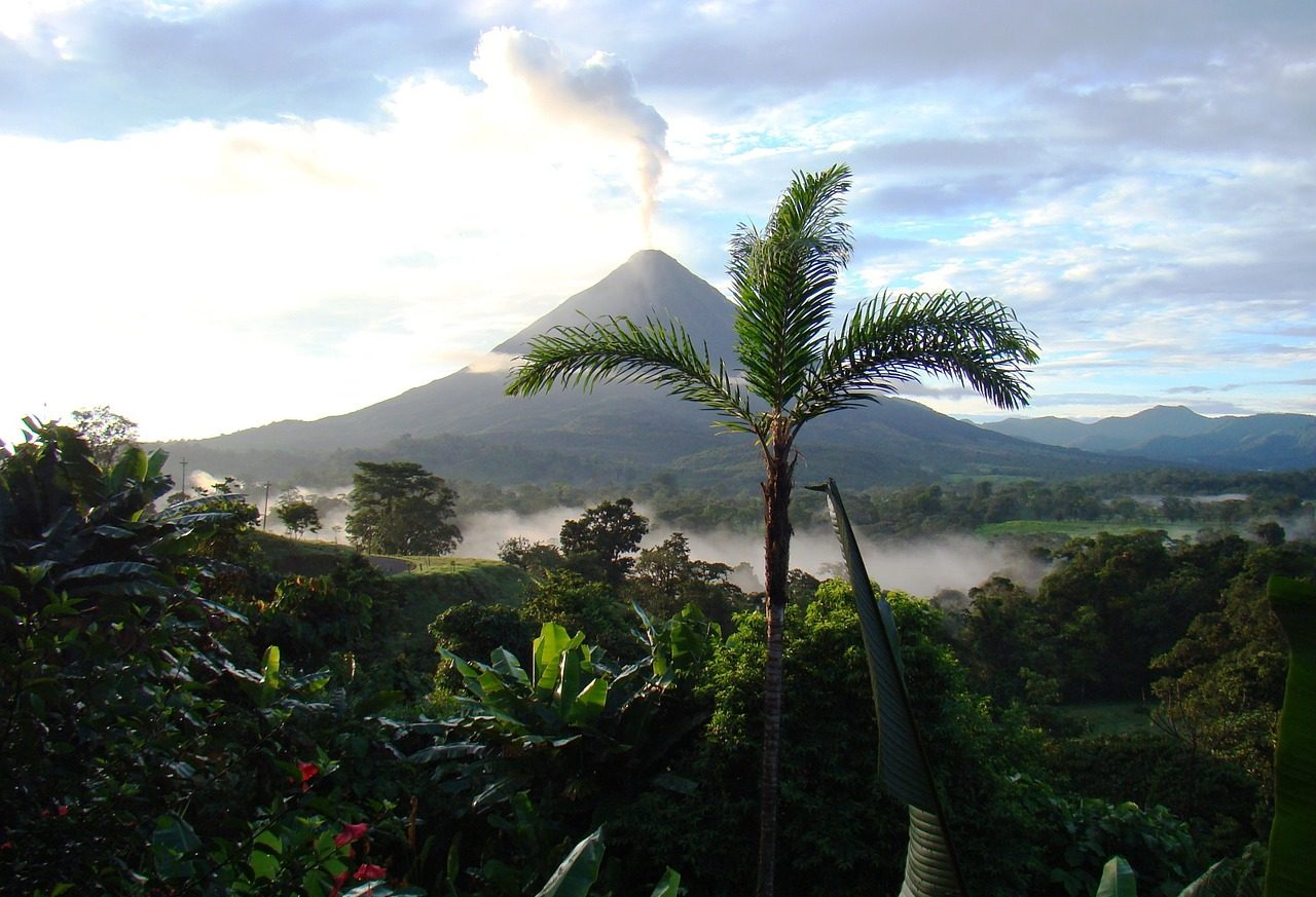 Solo Trip to Costa Rica & Solo Holidays Costa Rica (Image Credit: Pixabay)