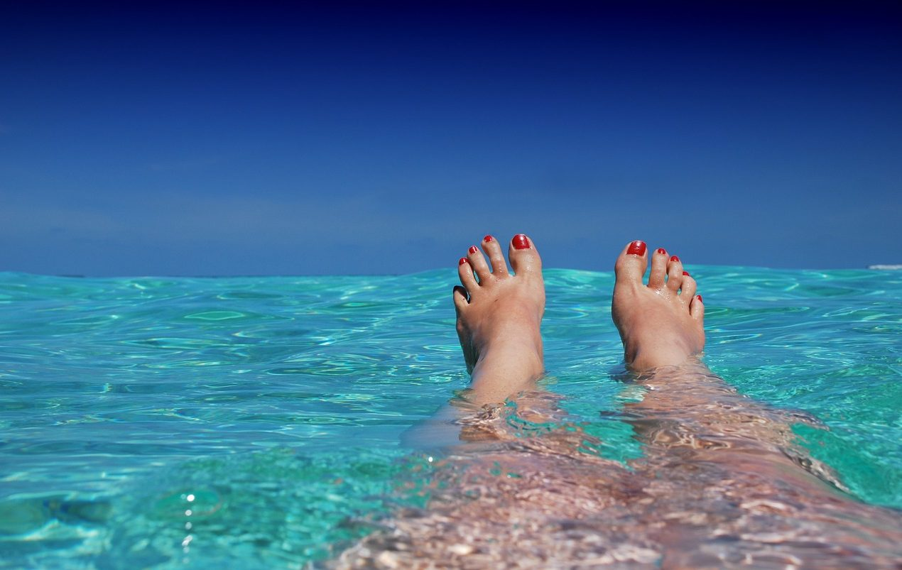 Maldives, Toes, Water, Sea, Swimming, Traveller, Solo Traveller, Woman, Solo Travelling Woman