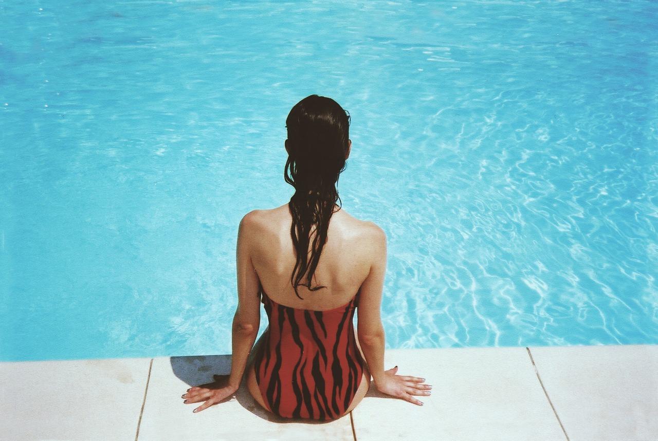 Hotel, Pool, Reisende
