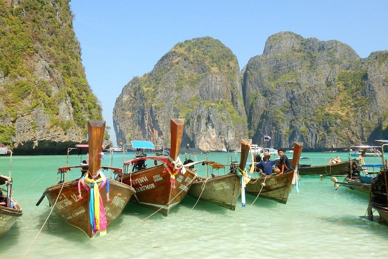 Solo Travel Phi Phi Island & Solo Female Travel Phi Phi Island (Image Credit: Pixabay)