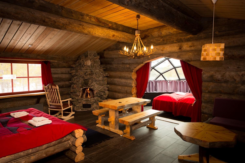 Hütte mit Glasiglu Finnland, Lappland (Bild © Kakslauttanen Arctic Resort)