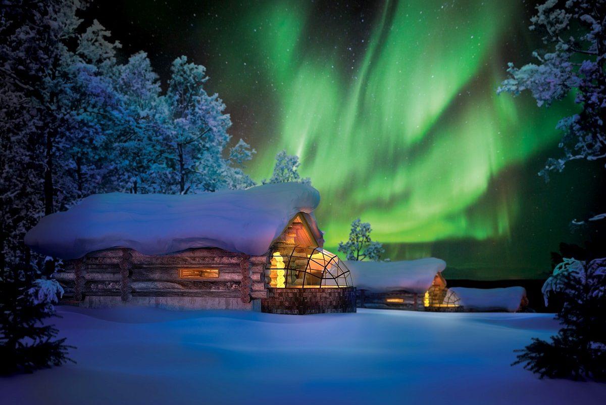 Hütte und Nordlicht, Finnland, Lappland (Bild © Kakslauttanen Arctic Resort)