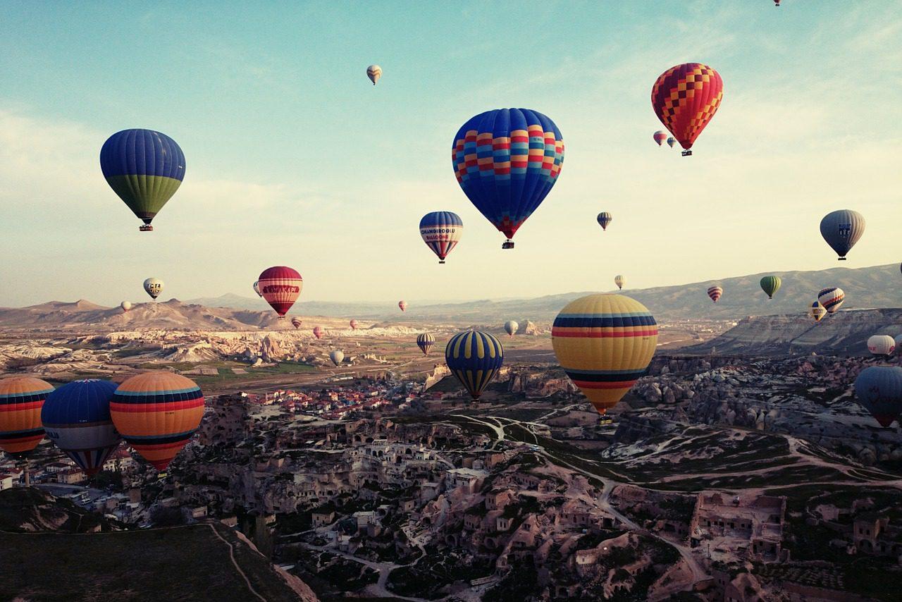 Türkei, Heißluftballon, Singlereisen, Solo Travel (Bild: Trudi90, Pixabay)