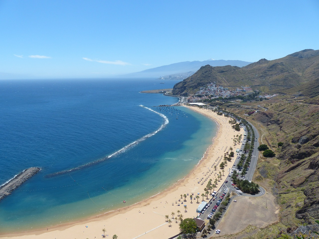 Solo Trip to Tenerife & Solo Holidays Tenerife (Image Credit: Pixabay)