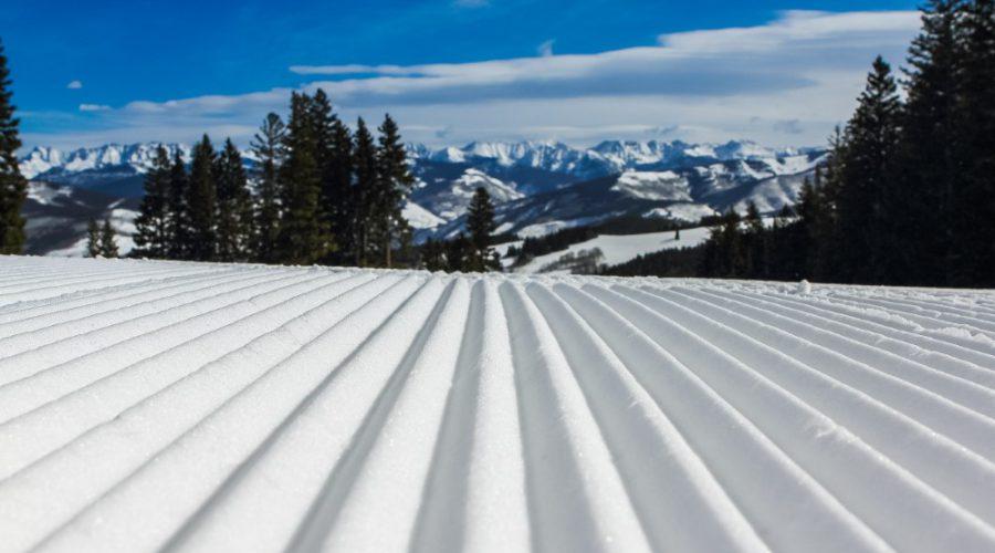 Singles Ski Trip, Solo Ski Trip, Ski Trips, Ski Tours, Skiing Holiday Packages, Ski Vacation Packages, Group Ski Holidays, Ski Trip Packages, Snowboarding Trips, Snowboarding Vacation, Singles Holidays, Solo Travel, Singles Vacations, Solo Holidays (Image: John Price, Unsplash)