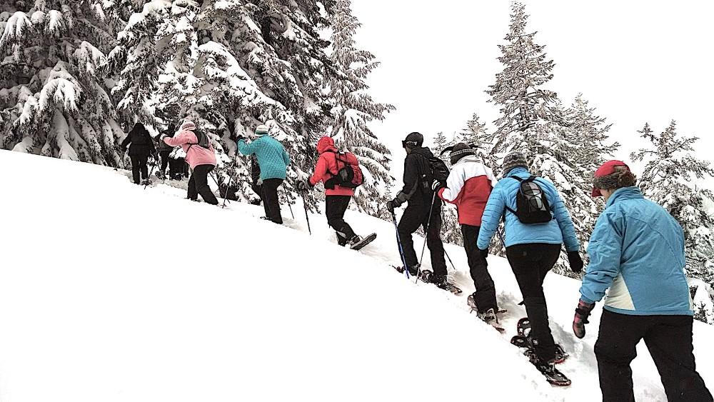 Winterwandern mit Schneeschuhen in Südtirol (Bild: Singlereisen.de)