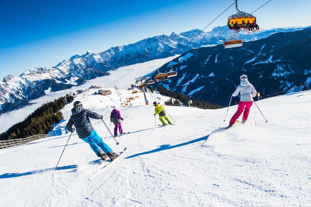 Weihnachten in den Alpen mit Skifahren & Spa (Bild: Singlereisen.de)